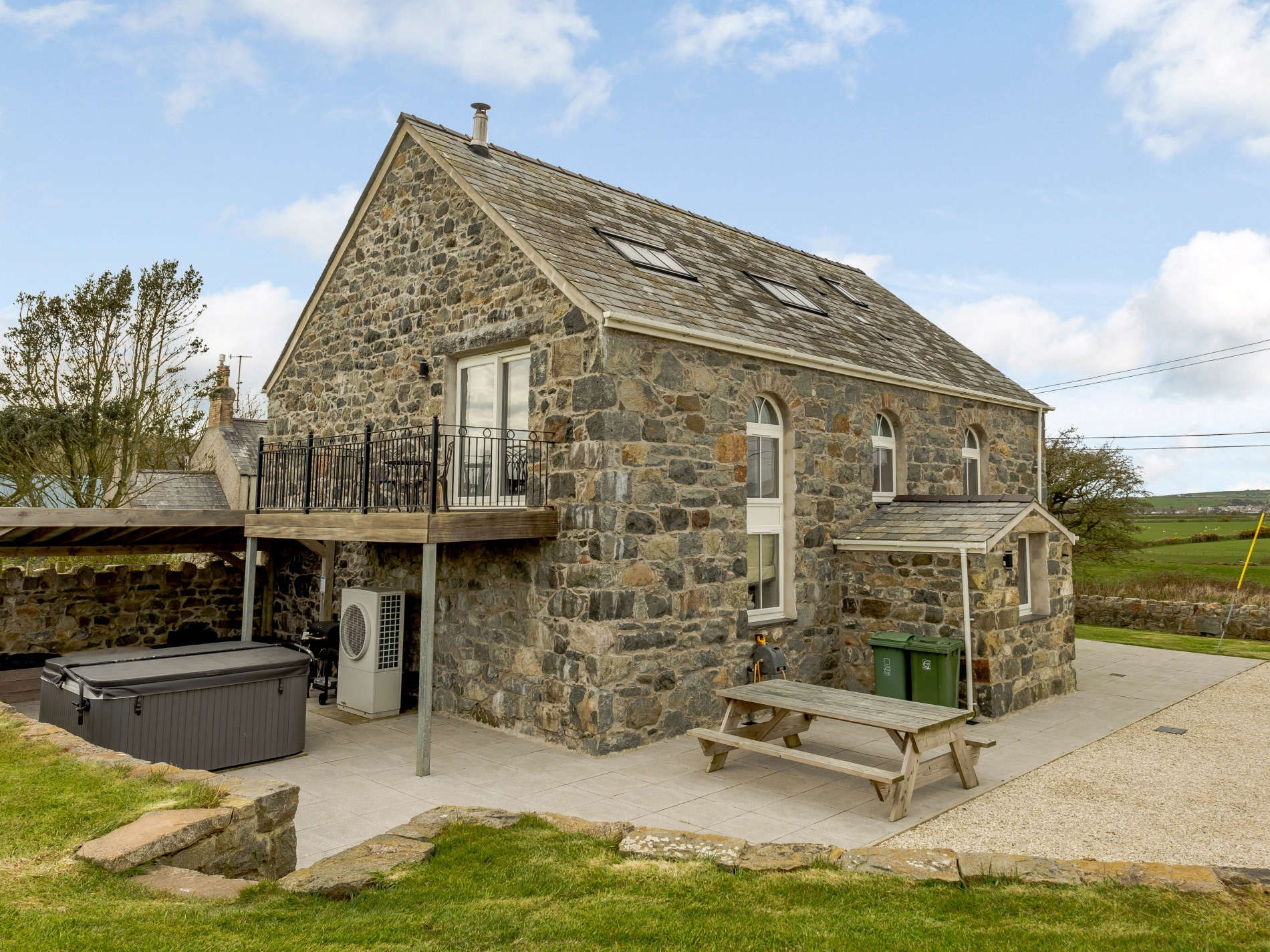 5 Bedroom Cottage in Pwllheli, Snowdonia, North Wales and Cheshire