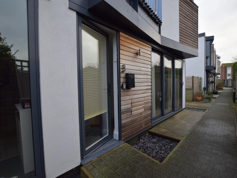 Stylish, contemporary seaside home