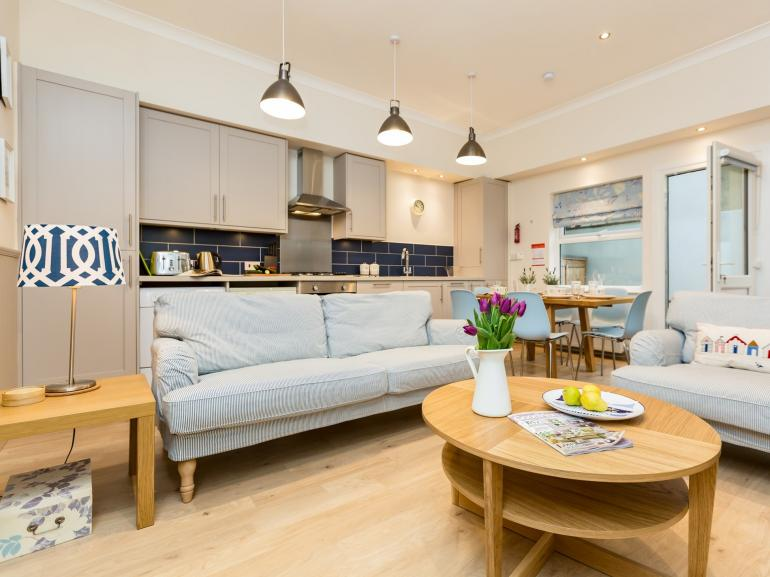 Stylish open-plan lounge/kitchen/diner
