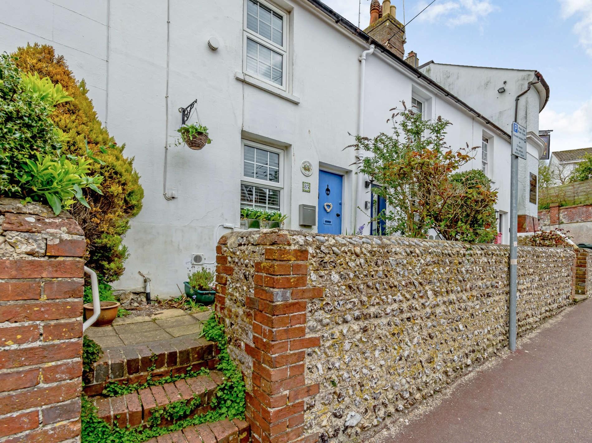 1 Bedroom Cottage in Eastbourne, South of England