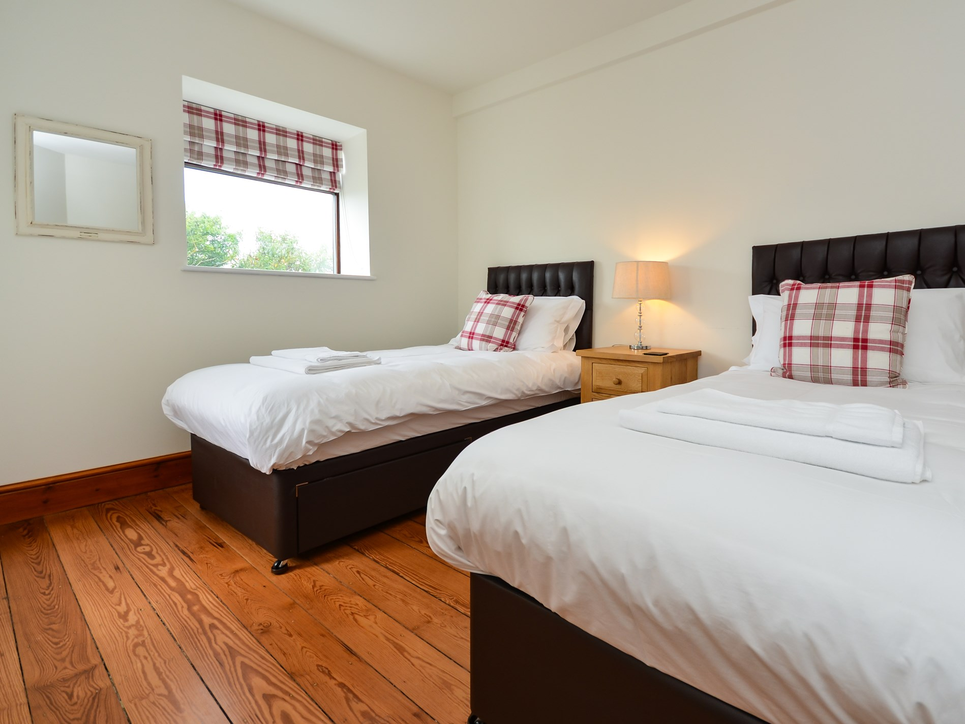 7 Bedroom Cottage in Holyhead, Snowdonia, North Wales and Cheshire