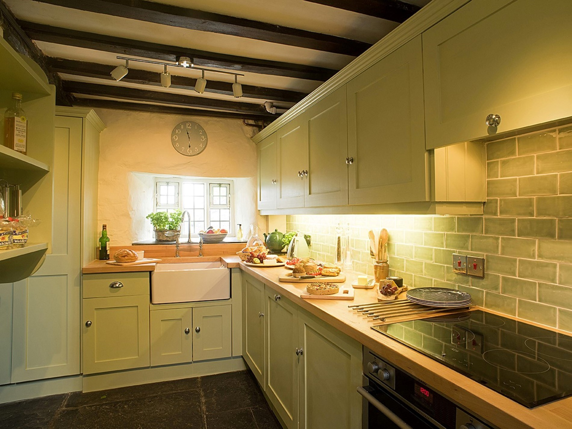 5 Bedroom Cottage in Betws -y- Coed, Snowdonia, North Wales and Cheshire