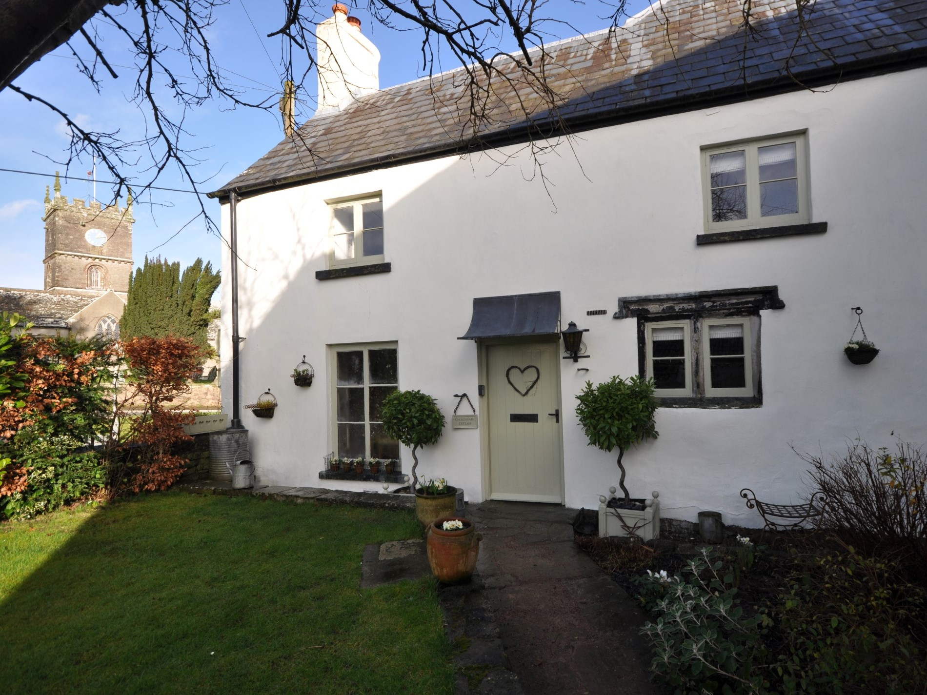 Grade II listed cottage with church views