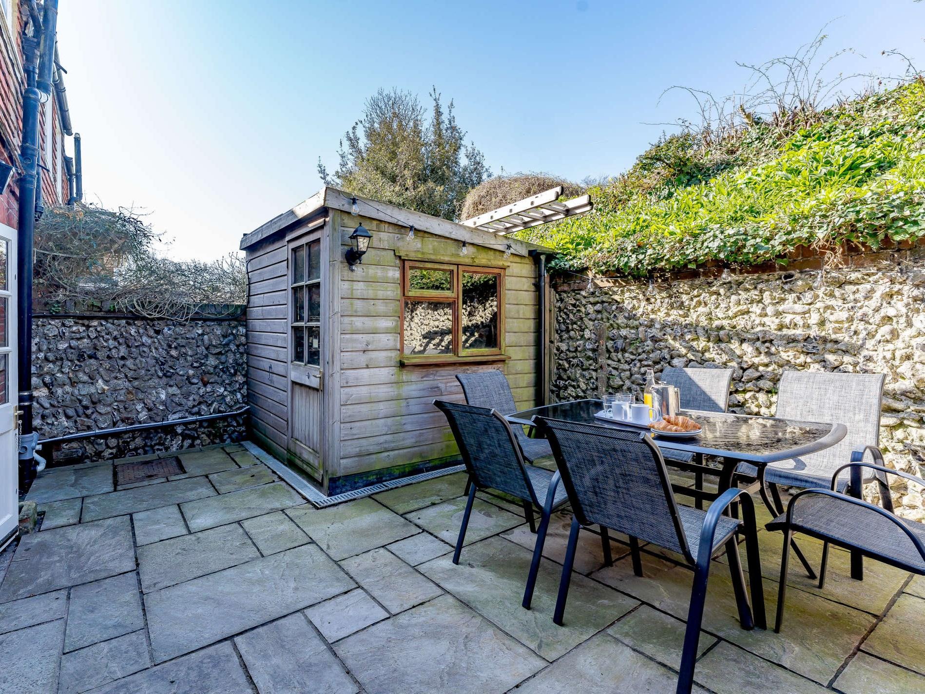 3 Bedroom Cottage in Eastbourne, South of England
