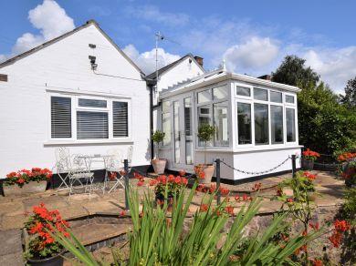 Pump Street Cottage (56300)