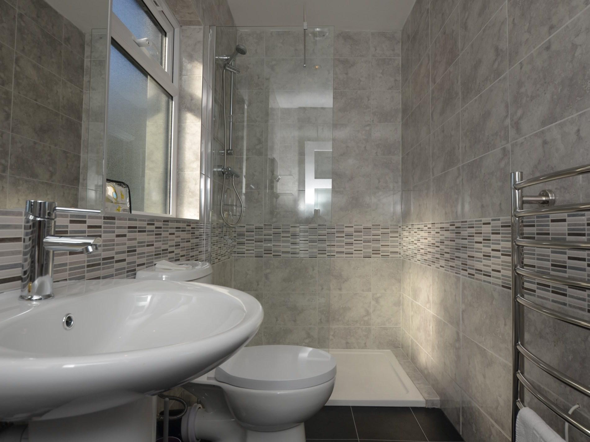 Beautifully appointed en-suite shower room