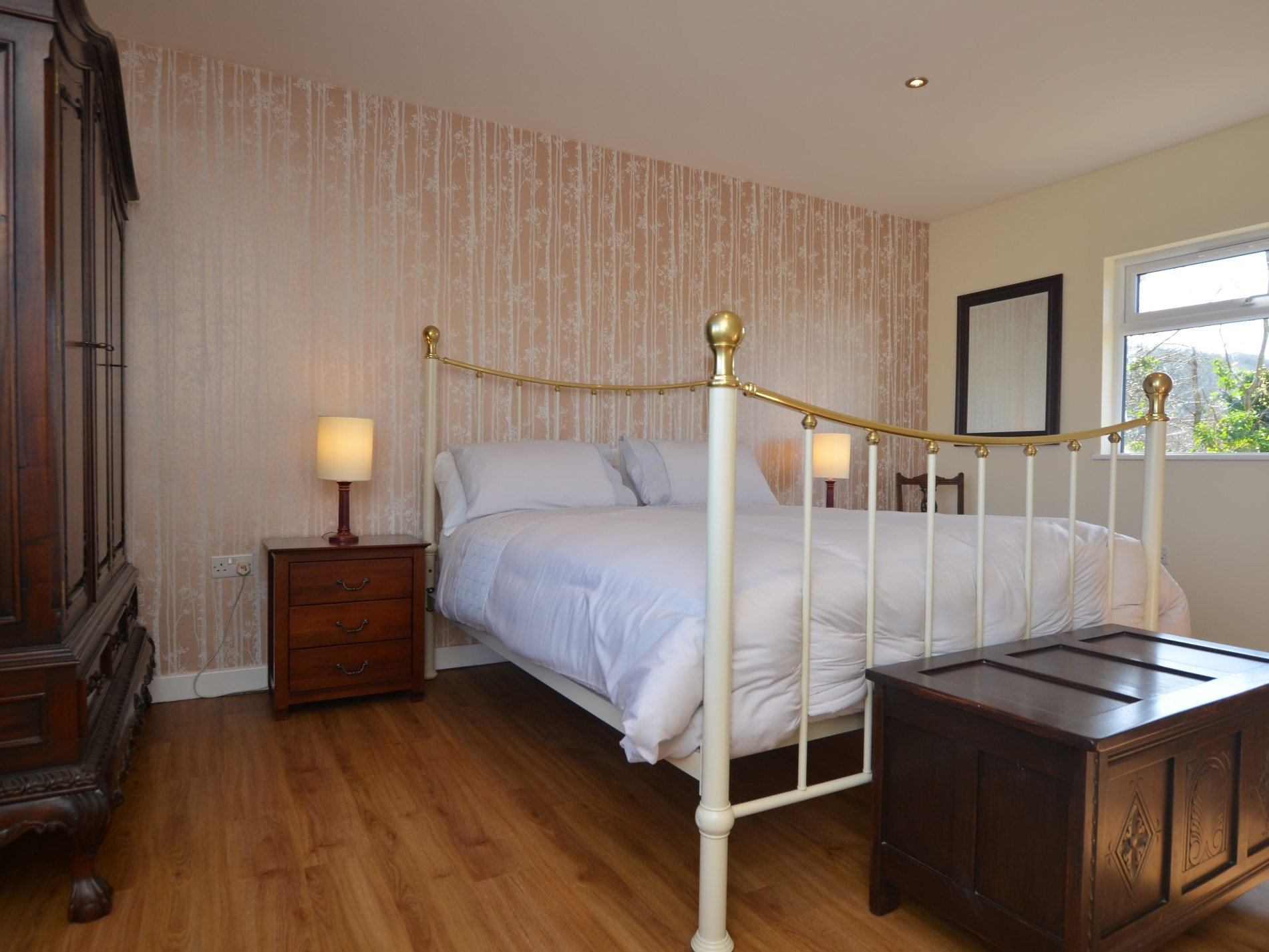 Beautifully presented king-size bedroom