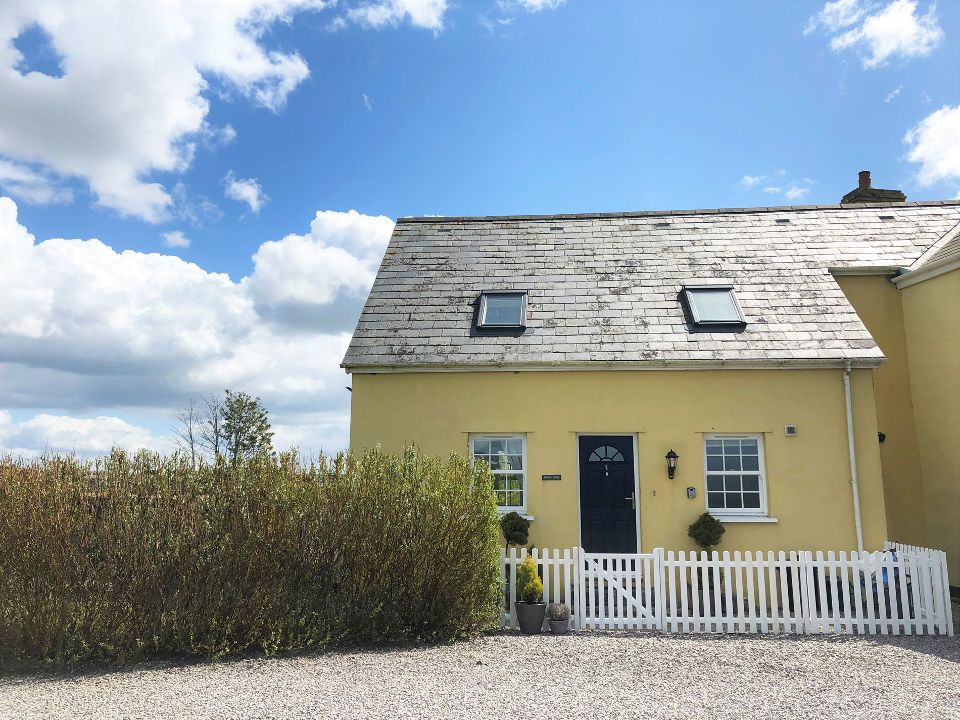 3 Bedroom Cottage in Bridgend, Pembrokeshire and the South