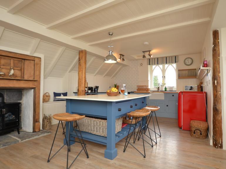 Fabulous spacious open-plan accomodation