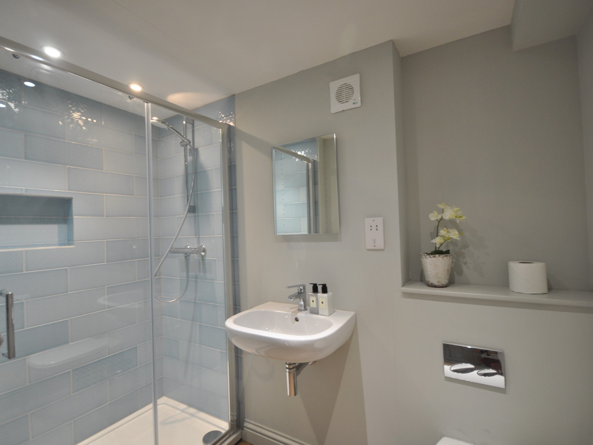 A stylish double shower