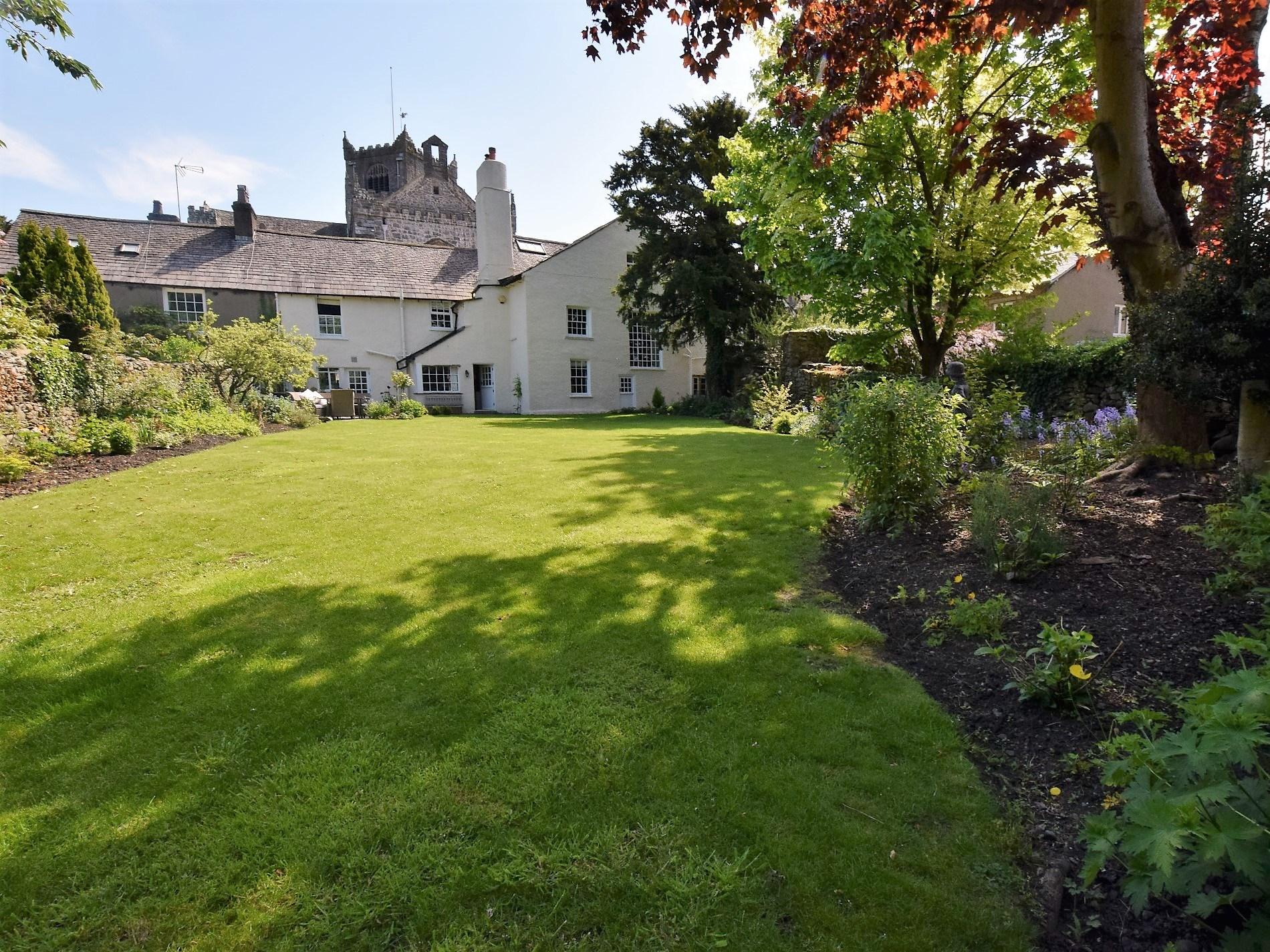 5 Bedroom House in Cumbria, Scottish Borders