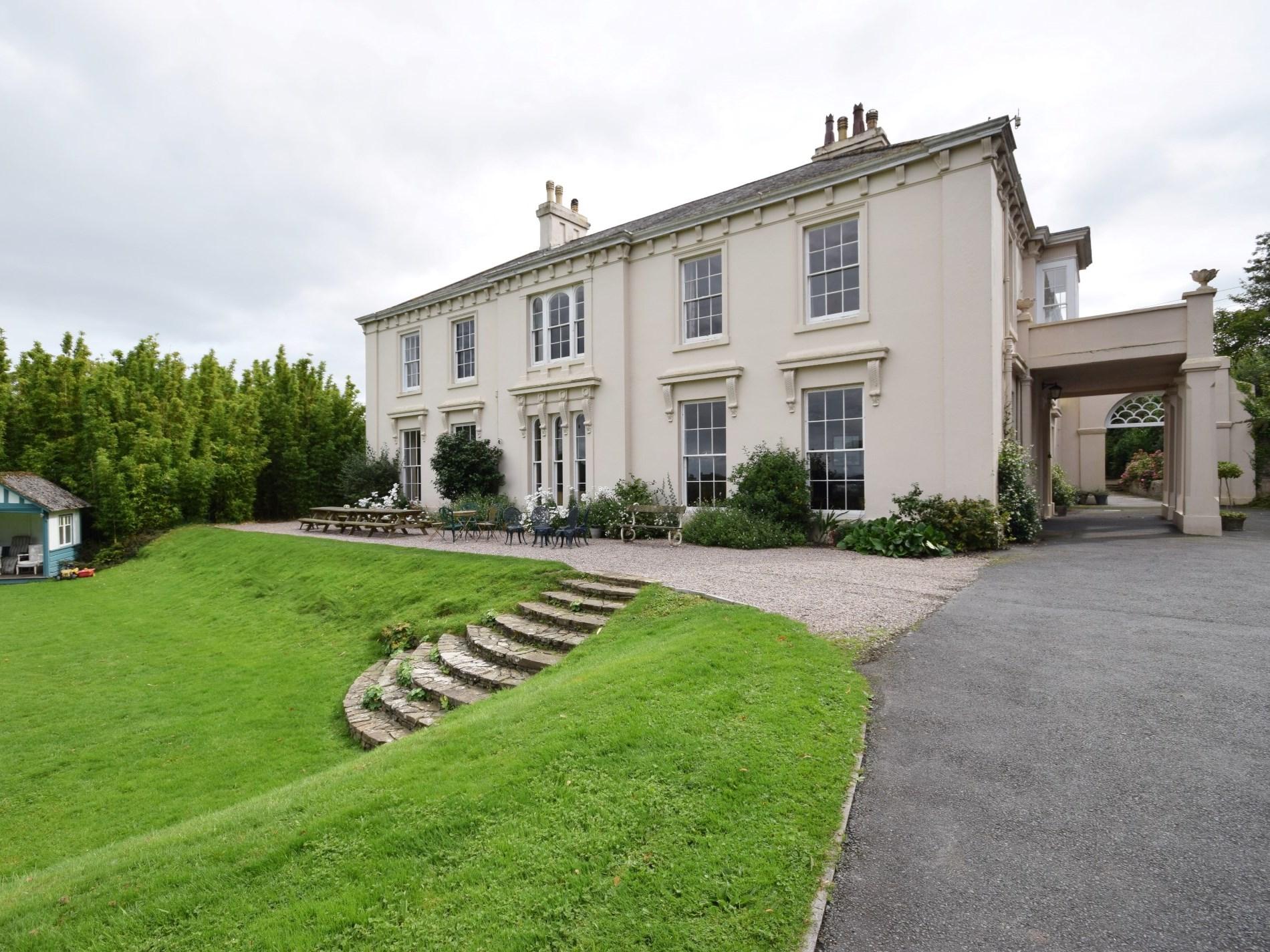 11 Bedroom Cottage in Bideford, Devon