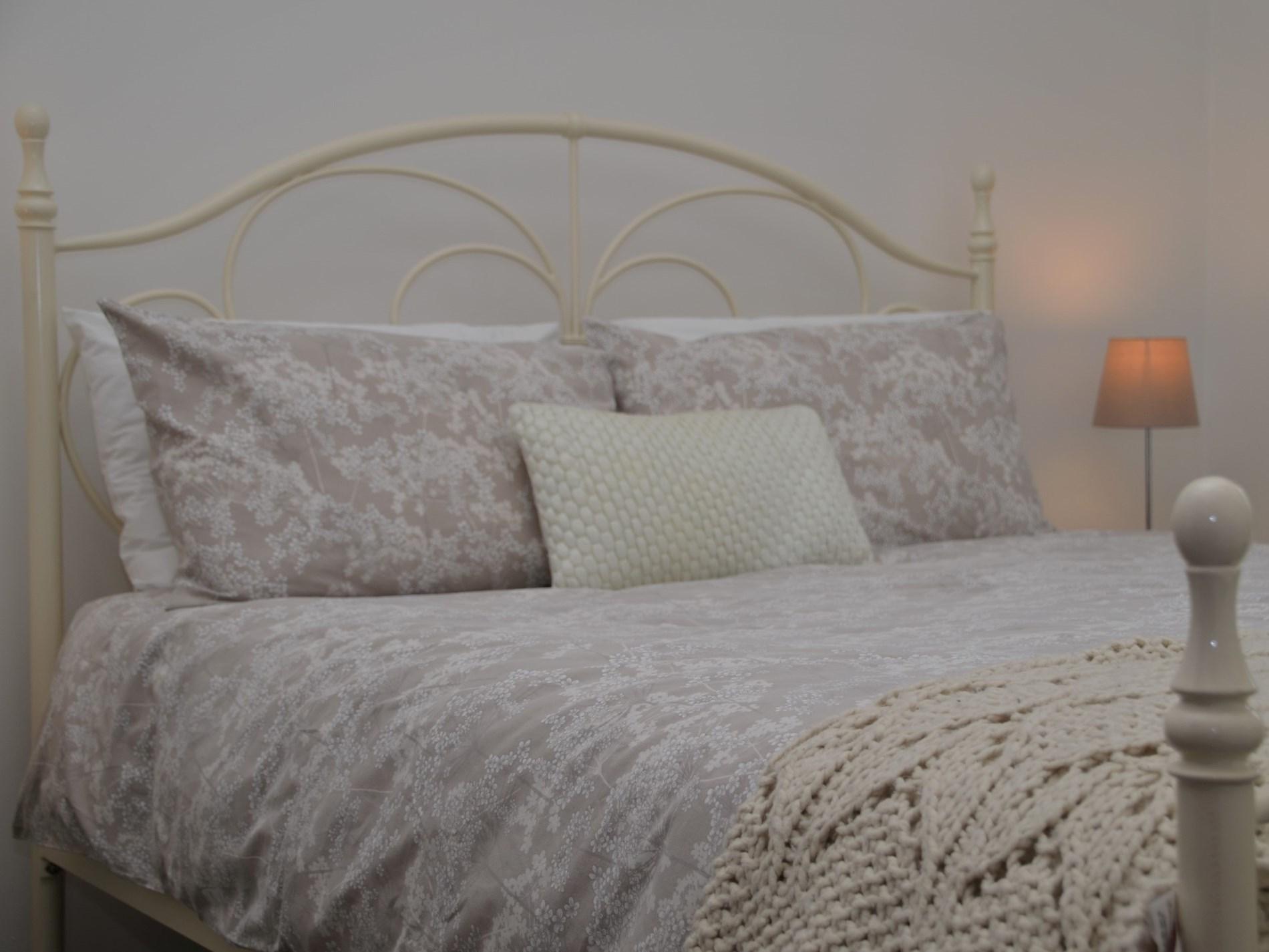 Enjoy a good night's sleep in the cosy bedroom