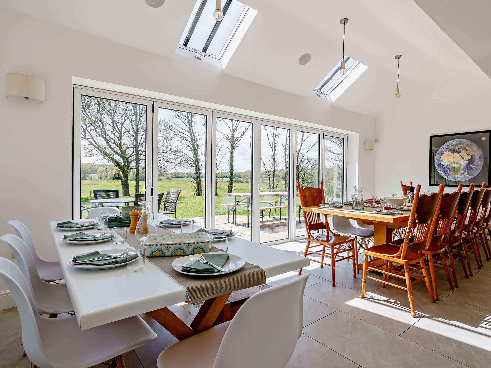 6 Bedroom Cottage in Sussex, South of England