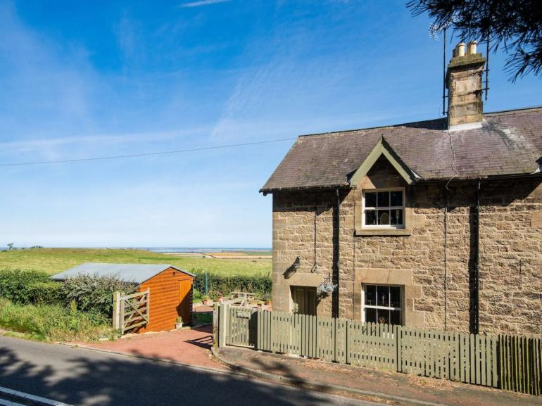 Lovely stone built cottage with views towards stunning Holy Island
