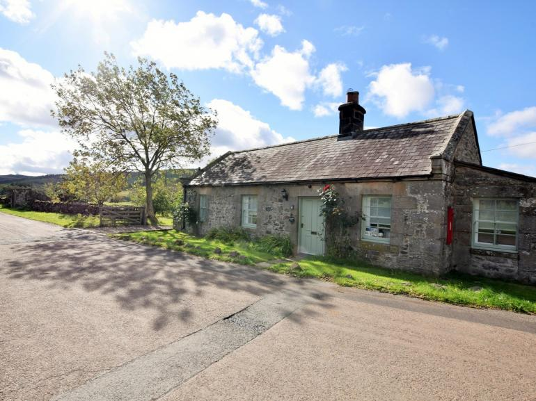 Charming stone cottage in pretty peaceful hamlet