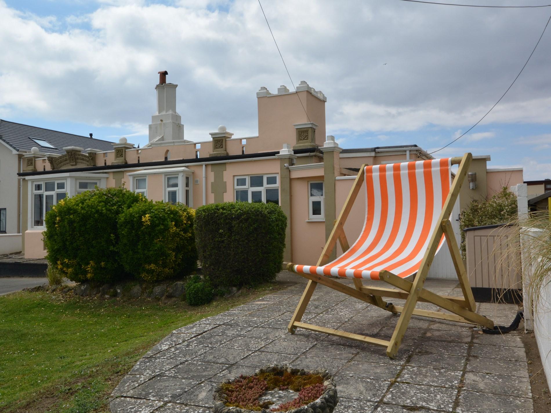 4 Bedroom Cottage in Burnham -on- Sea, Dorset and Somerset