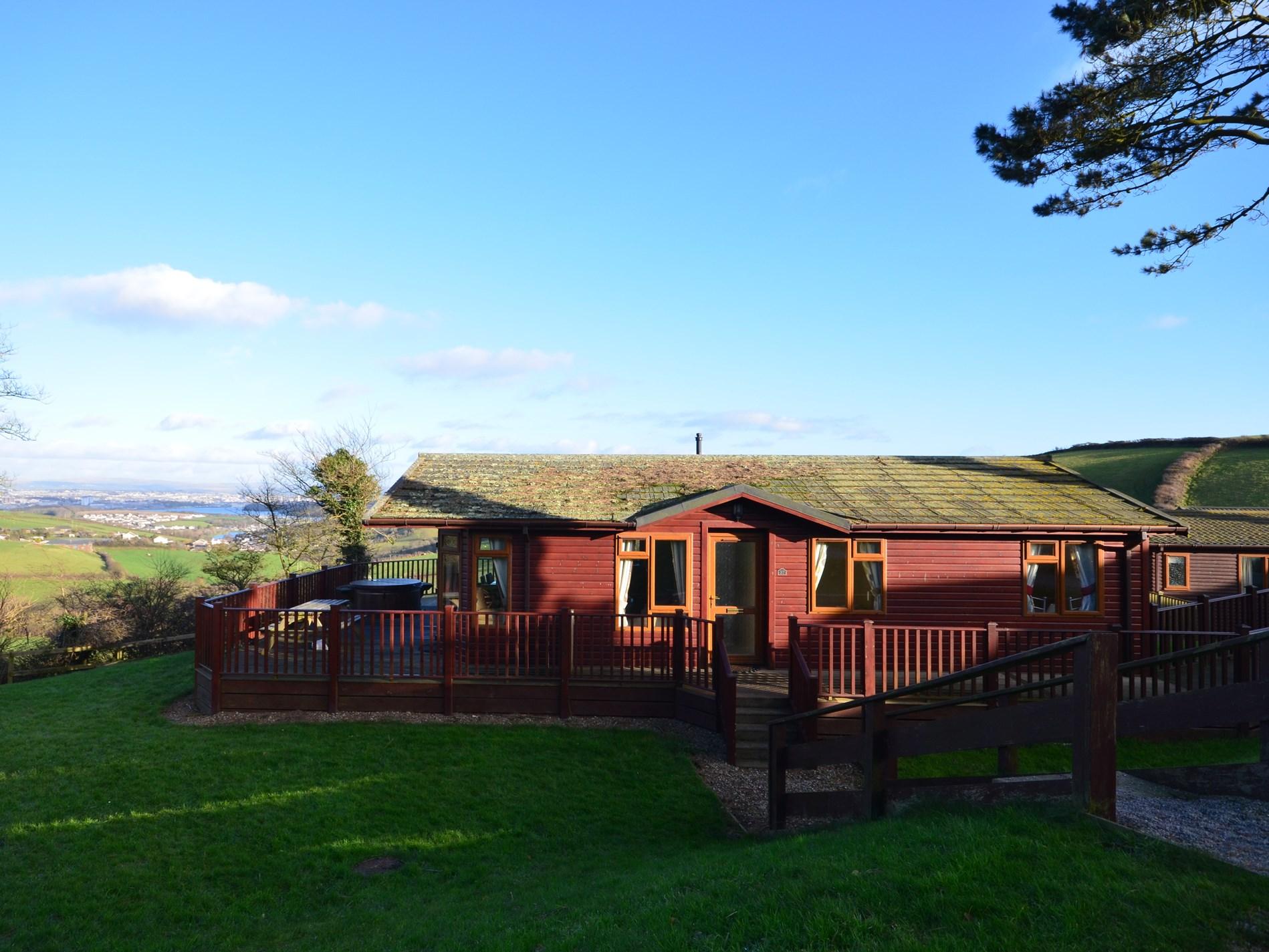 3 Bedroom Log Cabin in South Cornwall, Cornwall