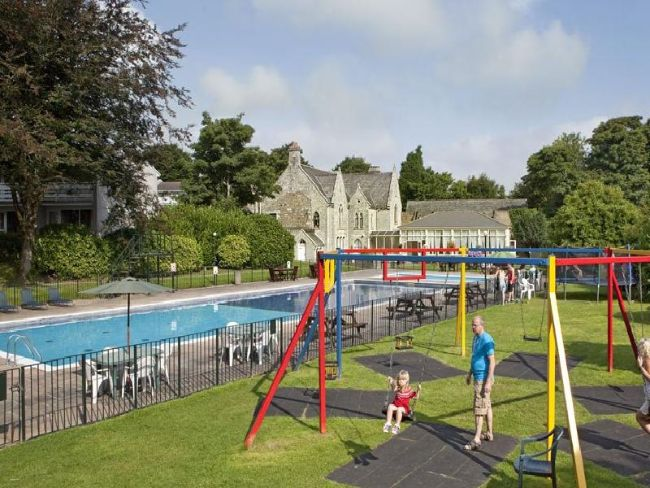 Enjoy the outdoor pool and play area on site