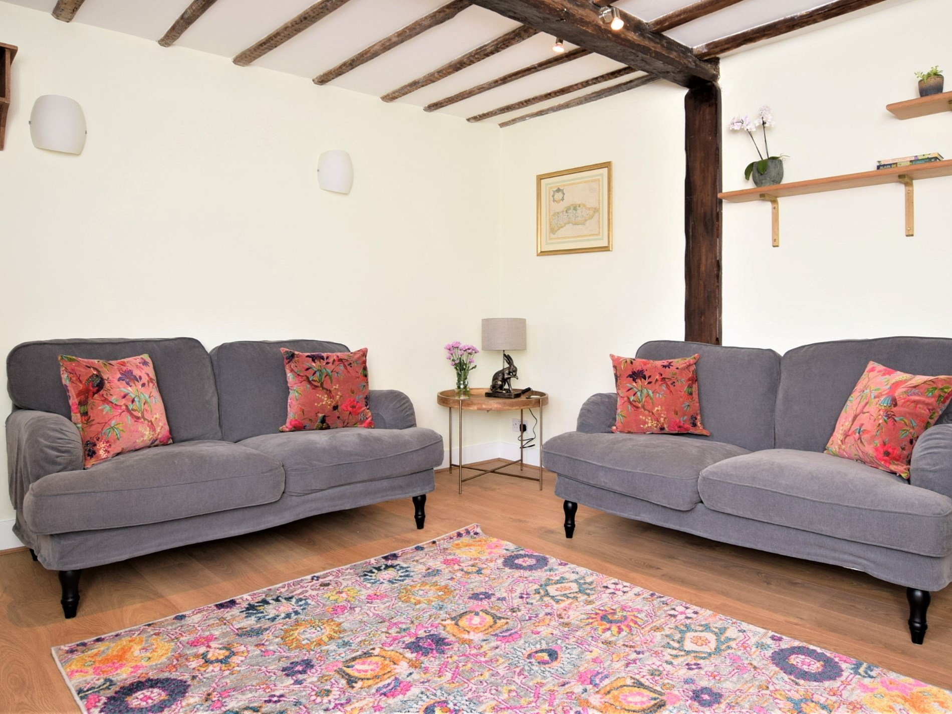 2 Bedroom Cottage in Sussex, South of England