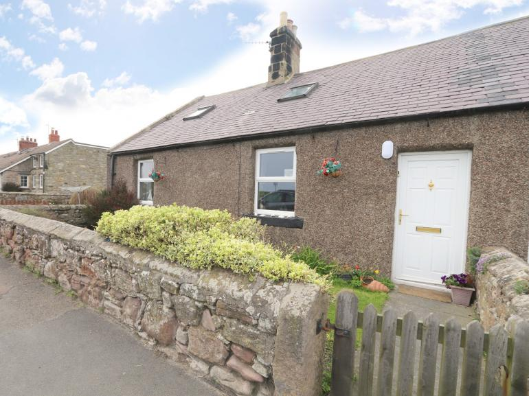 Traditional fisherman's cottage with sea views