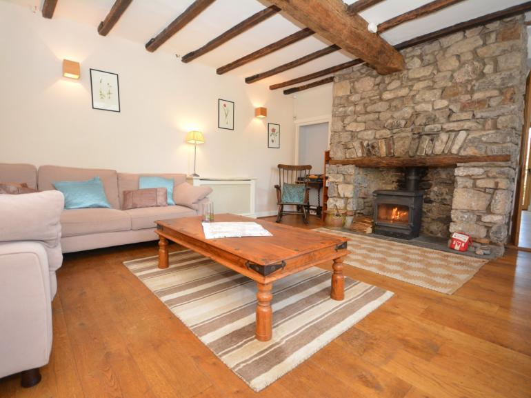 Cosy cottage in the heart of the Gower