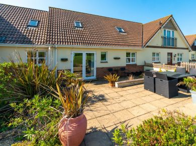 Driftwood Cottage - Brighstone (IC041)