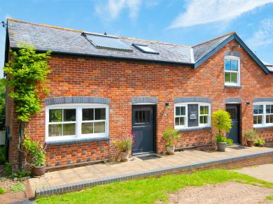 One Mead Cottage - Alverstone (IC091)