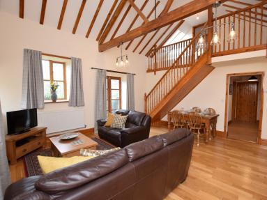 Parlour Cottage - Merstone (IC094)