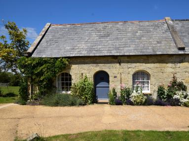 Squire Thatchers Barn (IC124)