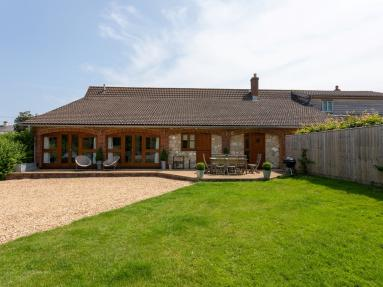 Stanwell Barn Cottage (IC130)