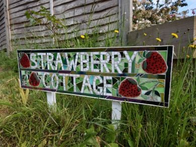 Strawberry Cottage - Brighstone (IC132)