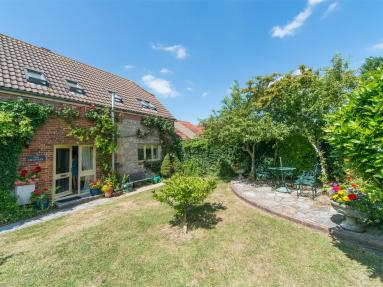 The Granary Cottage - Ningwood (IC148)