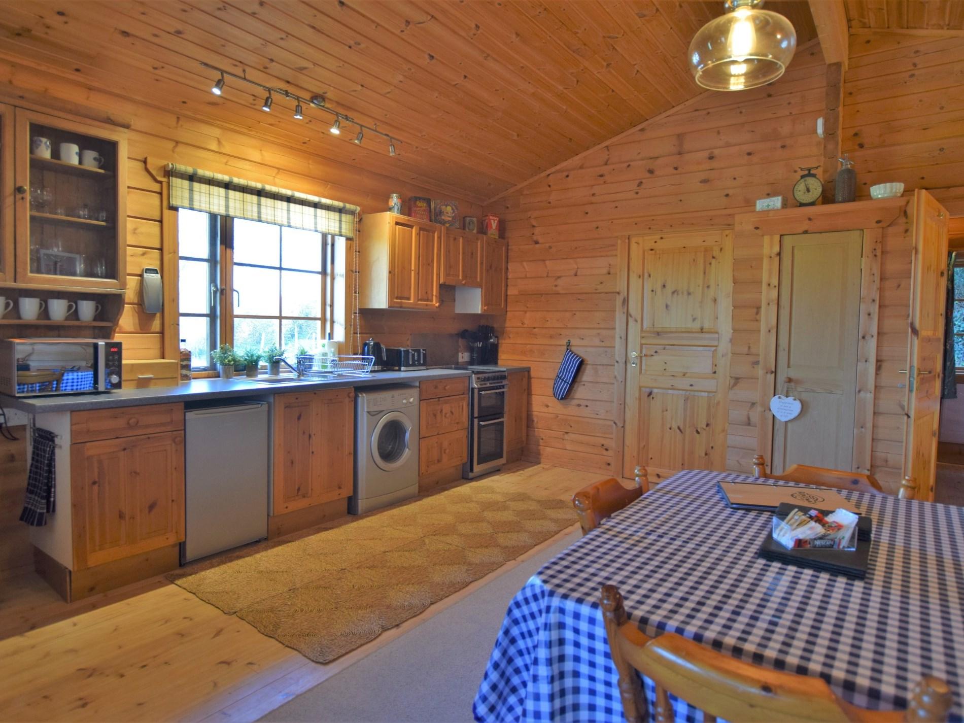2 Bedroom Cottage in Blandford Forum, Dorset and Somerset