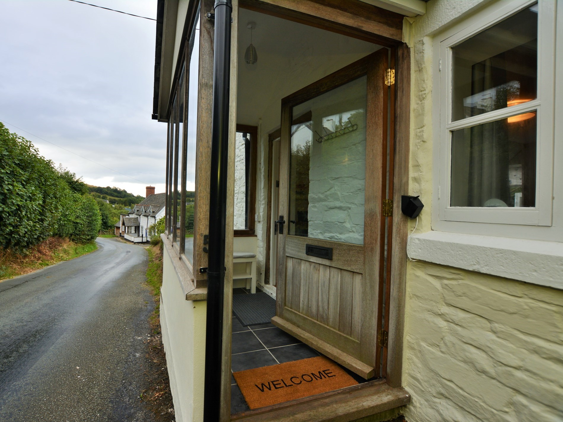 2 Bedroom Cottage in Montgomery, Heart of England