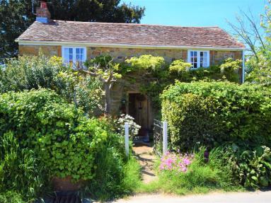 Stone Place Cottage (IC183)