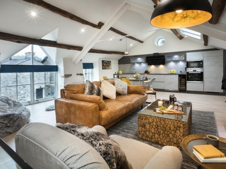 Luxurious loft space