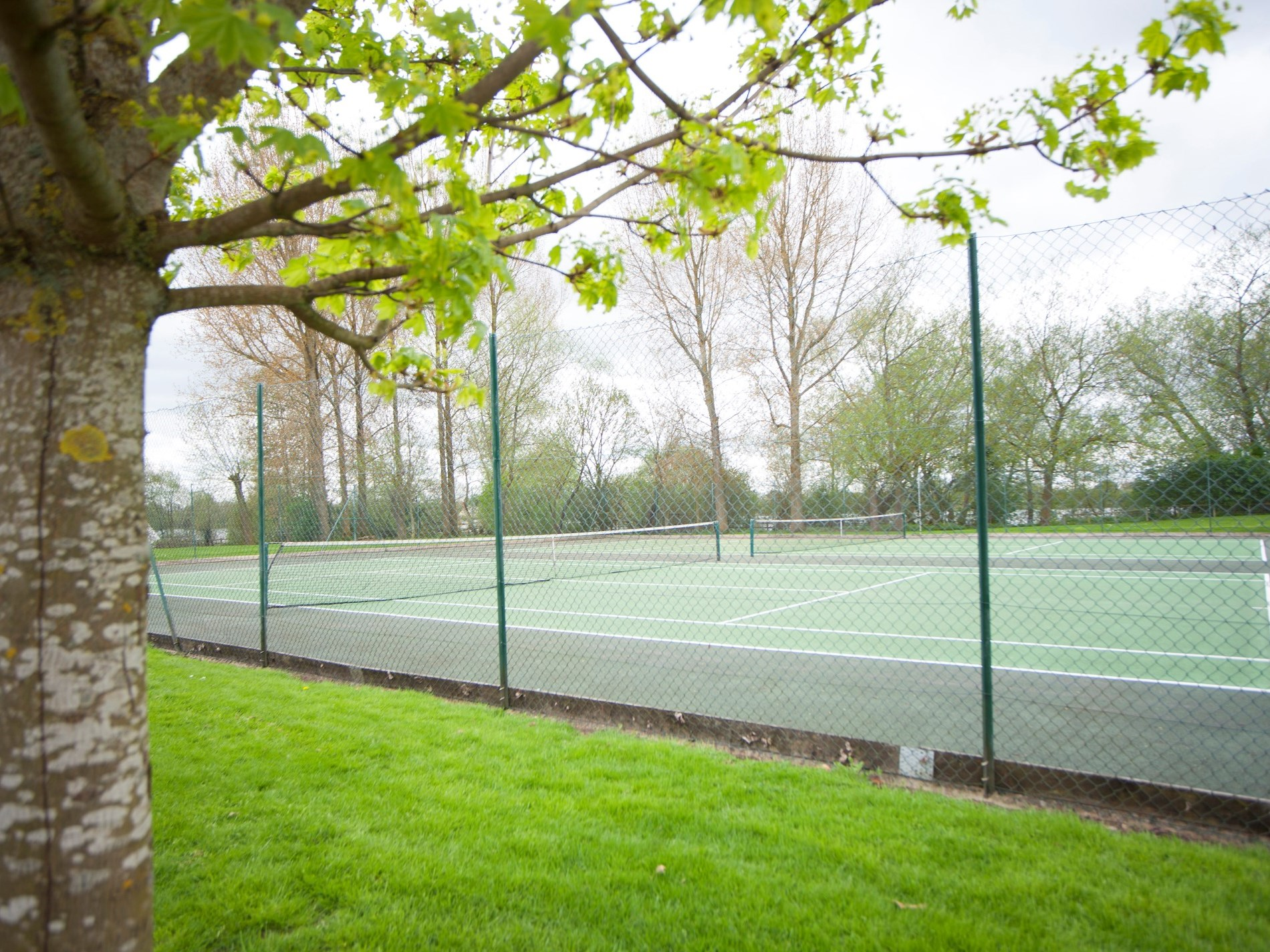 Access to tennis courts