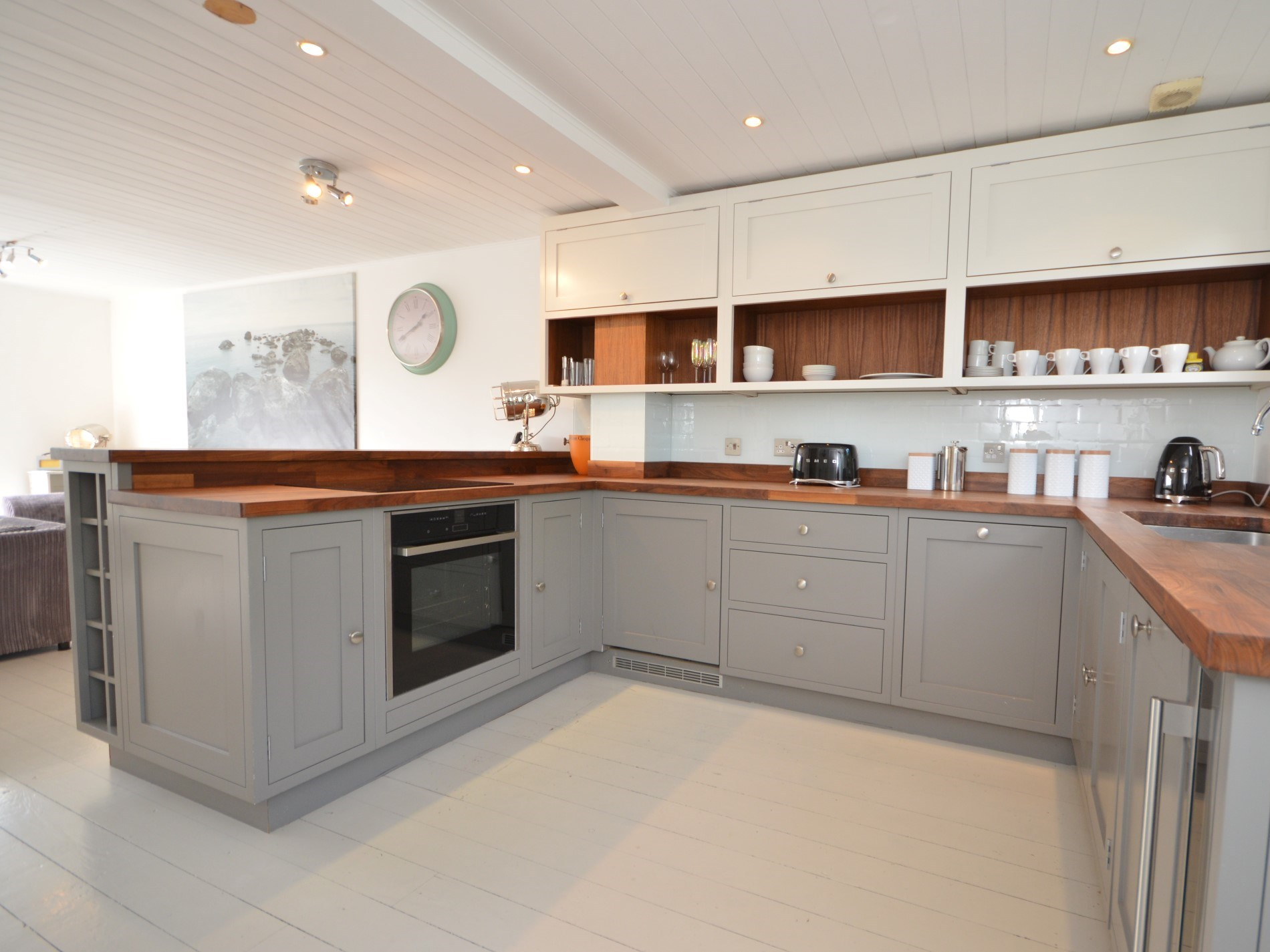 Open plan kitchen and dining area so that everyone can be involved