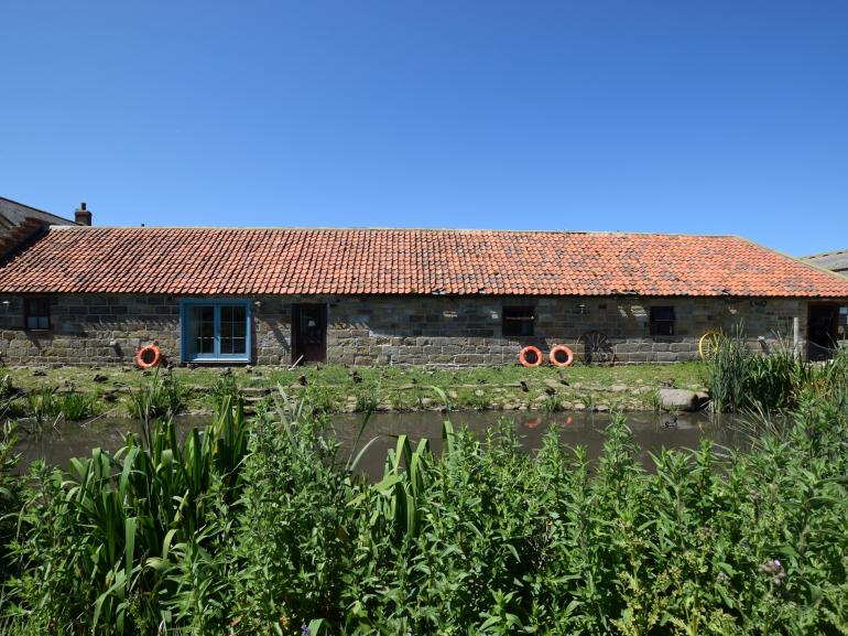 Beautiful converted barn complete with it's own moat