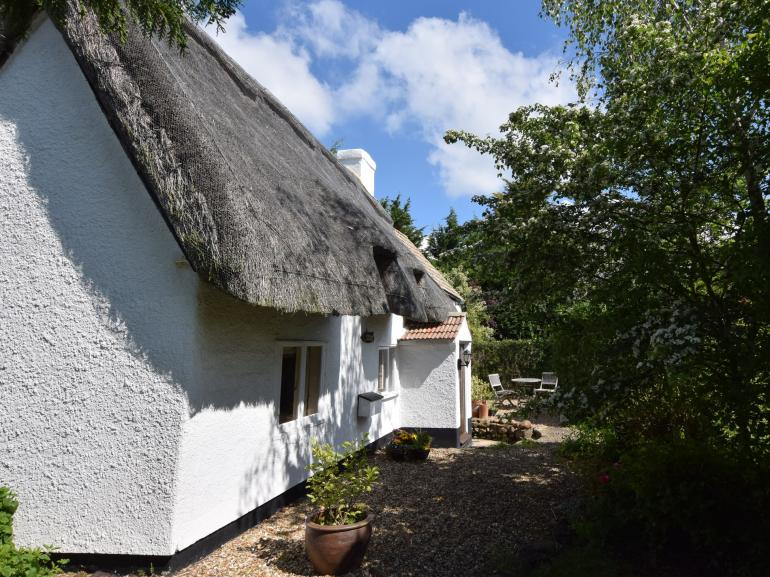 A charming thatched cottage in the Heart of England