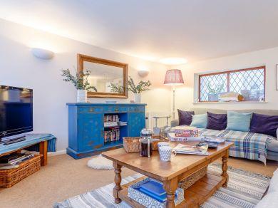 Summer Cottage (PC063)