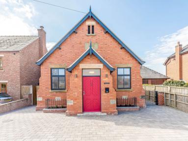 Criftins Chapel (62544)