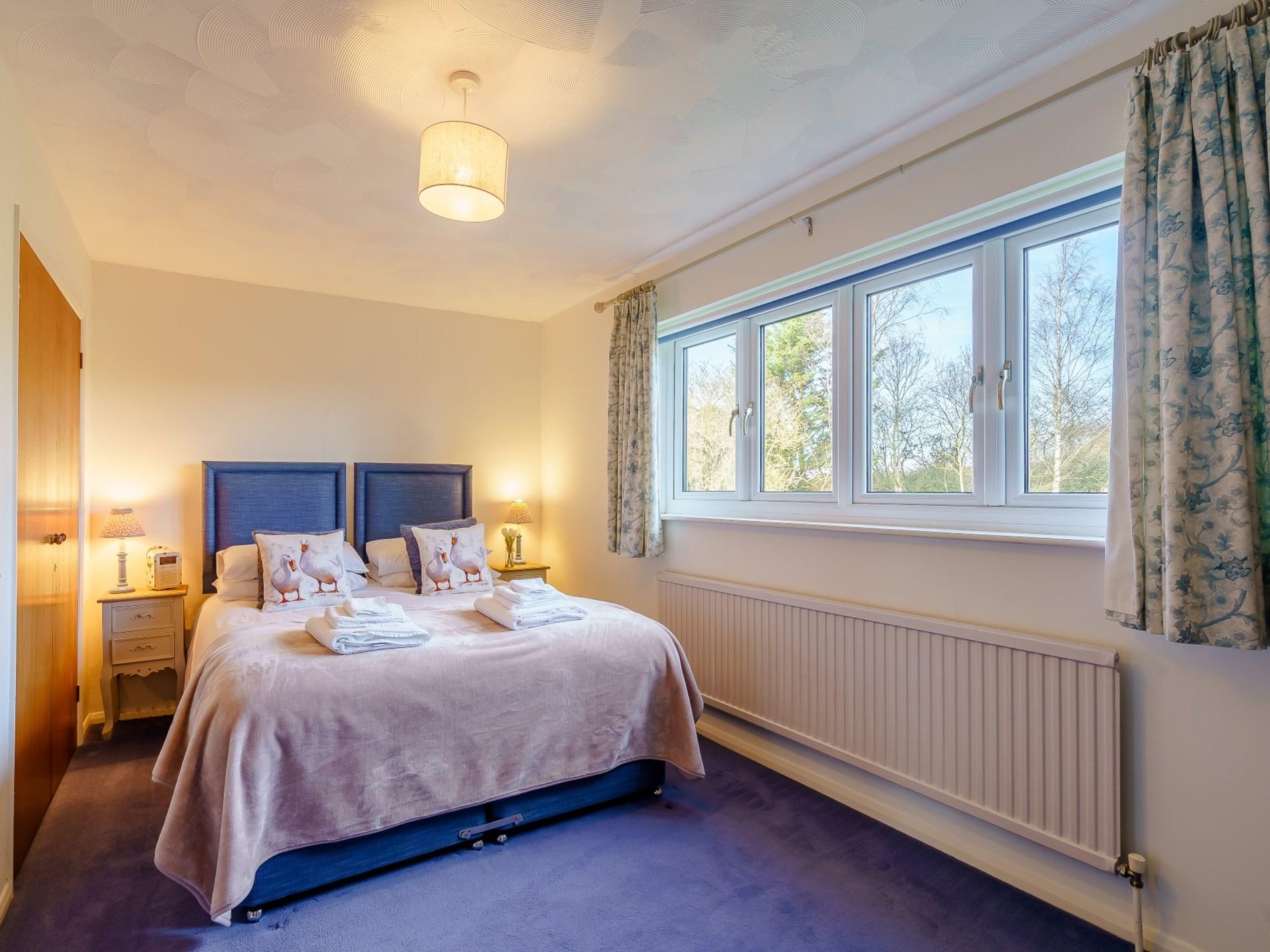6 Bedroom Cottage in Aylesbury, Heart of England