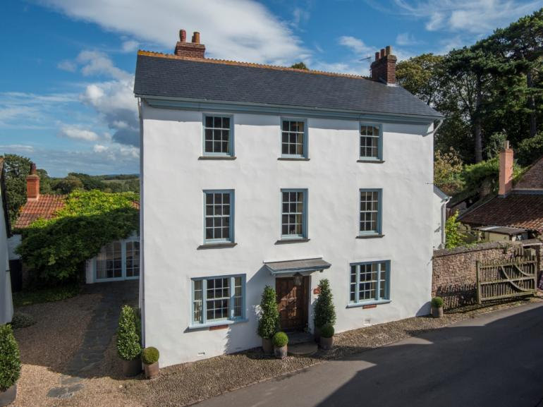 Grand residence in the heart of Dunster