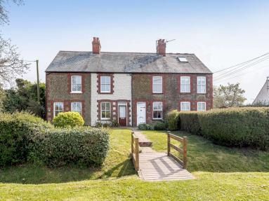 Brent Cottage (KT022)
