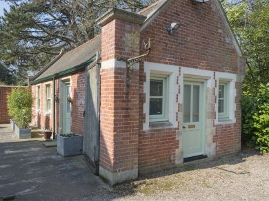 Field Dalling Hall Annexe (KT059)