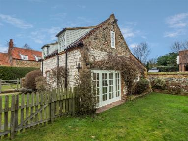 Garden Cottage Ringstead (KT072)