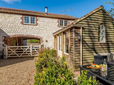 Lilac Cottage (KT104)