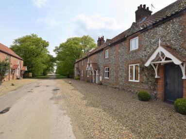 Plunketts Cottage (KT138)